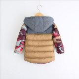 冬の子供の摩耗のための方法綿のCamouflagの衣服