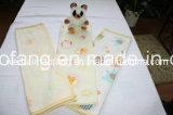編まれた純粋な綿の赤ん坊毛布