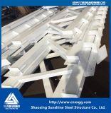 Estructura de acero de la membrana con el material ambiental