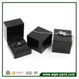 Коробка ювелирных изделий высокой лоснистой черноты отделки деревянная
