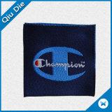 Alta calidad de etiqueta tejida con logotipo personalizado