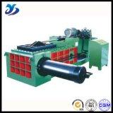 Metal hidráulico que presiona la prensa de aluminio del desecho