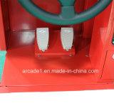 Giro Playland dell'interno dell'automobile dei capretti che corre la macchina del gioco