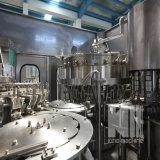 Compléter le matériel recouvrant remplissant de lavage mis en bouteille par boisson carbonatée