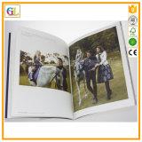Catálogo Softcover de encargo en la impresión a todo color