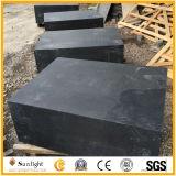 マットか砥石で研がれた表面G684の黒い玄武岩または花こう岩の敷石