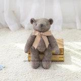 Angefüllter weicher gestrickter Teddybär