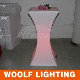 LEDはプラスチック棒低い小テーブルをつける