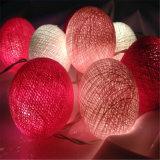 Stringa all'ingrosso dell'indicatore luminoso natale/del partito con la sfera di cotone
