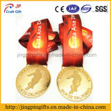 El recuerdo de encargo 2.o de 2017 fuentes y el metal de la insignia 3D se divierte la medalla del grabado de la medalla con la cinta colorida