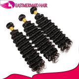 O Weave profundo do cabelo humano de 100% empacota o cabelo brasileiro