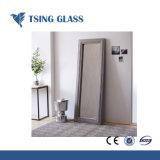 装飾またはシャワー室または着服ミラーのための2-8mmの銀製ミラーによって着色されるミラー