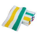 Super роскошными банными полотенцами с полосками