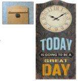 Reloj de madera para la decoración casera