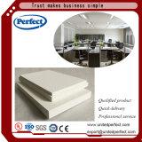 Los diferentes tipos de placa de techo con aislamiento de fibra de vidrio.