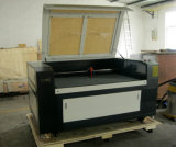 Máquina de corte a laser de alta velocidade Flc1490 para madeira