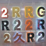Sinal de letra de metal com letras de aço inoxidável ao ar livre e ao ar livre