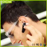 Micro rádio do esporte em auriculares de Bluetooth da orelha para funcionar