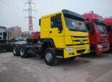 Sinotruk HOWO 6X4 che trasporta camion