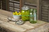 손잡이를 가진 작은 양 물병 유리 그릇 식품 보존병