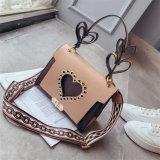 Оптовая торговля заклепку Heart-Shaped Messenger сумки через плечо PU Леди дамской сумочке
