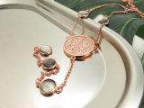 ローズの女性のためのモップが付いている金によってめっきされるイブニング・ドレスの長いネックレス