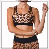 형식 스포츠를 체중을 줄이는 여자 섹시한 관례는 고무줄 스포츠 브래지어를 착용한다