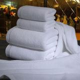 Широко используемые цвета Белый хлопок полотенца отеля махровыми банными полотенцами.