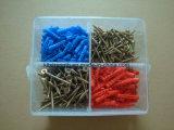 나사, 벽 플러그, 정연한 플라스틱 상자를 가진 가구 기계설비 구색 장비