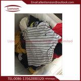 Expor al grado de África una ropa usada