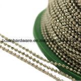 La moda de la cadena de bolas facetadas de latón