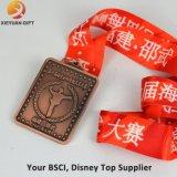 Medalla de oro grabada 3D barata de encargo con interno cortada