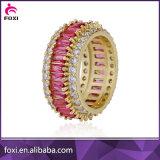 18K gouden Ring om de Ringen van de Juwelen van het Zirconiumdioxyde van het Kristal van de Vorm
