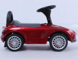 Preiswerter Kind-Fuß, zum von Fahrt auf Auto-Spielzeug auszubreiten