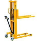 工場価格1500kgの二重マストの固定フォークの手動フォークリフトパレットスタッカー