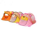 Kind-Karikatur-kampierendes Zelt-Spiel-Spiel-Spielzeug