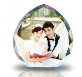 Concessão de cristal do coração para o Amor-Presente