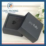 Negro tarjeta doblada caja de papel con la esponja