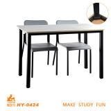 Mesa e cadeira de madeira simples para alta College