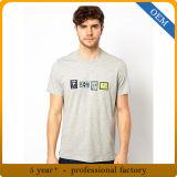 Le T-shirt gris estampé par coton occasionnel des hommes faits sur commande