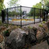 حديقة سياج مع سكّة حديديّة أنبوبيّة أنابيب مستديرة