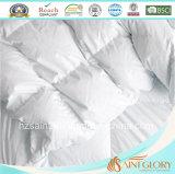 A pena branca do ganso para baixo do Comforter real e estofa para baixo