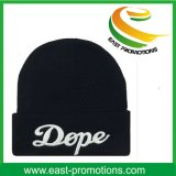 Связанный зимой шлем Beanie с изготовленный на заказ печатание логоса
