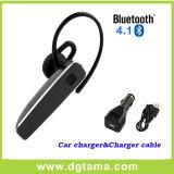 De Oortelefoon van de Hoofdtelefoon van Bluetooth met de Lader van de Auto en de Kabel van de Lader USB