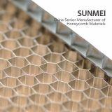 穴があいた側面の長さのSGSの証明のサンドイッチパネルのためのカスタムアルミニウム蜜蜂の巣コア