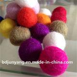 Esfera Handmade de feltro de lãs da decoração 2cm do Xmas feita em China