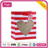 Сердце дня Valentine производит мешки романтичного подарка косметик венчания бумажные