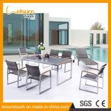 Europäischer Art-Hotel-kreativer hoher Gegenständer-moderner Kaffee-Stab Polywood Tisch und Stuhl-im Freiengarten-Hotel-Möbel