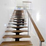 Escalera recta de acero con ancho de vía de la escalera de madera