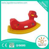 Hobbelpaard van het Stuk speelgoed van kinderen het Plastic rit-op de Ruiter van het Hobbelpaard